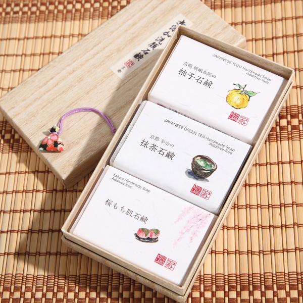 KOTOLABO 手工皂 3件組禮盒(柚子 抹茶 櫻)/美容 肌膚保養 京美妝