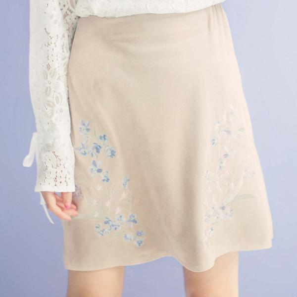 刺绣装饰仿麂皮绒短裙