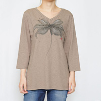 Hand-Painted Yuzen, Lily, V-Neck, 3/4-Sleeved (Gray Beige)